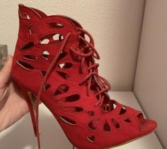 Crvene sandale/stikle 40