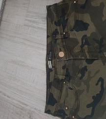 Stradivarius cropped vojničke hlače