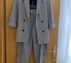 Bershka odijelo