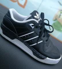 Adidas tenisice kao nove