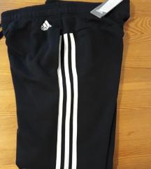 Nova Original Adidas crna trenirka 38/40