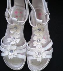 Sandale vel. 32