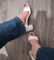 Bijele sandale na petu 40, 41