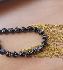Ogrlica rucno radjena 60kn