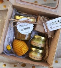 50% AromaBee Gift Box 💛