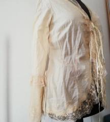 Prekrasna vintage košulja sa puno detalja, M