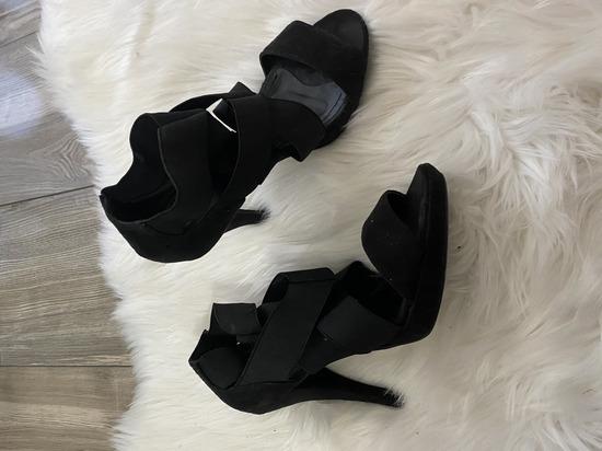 Crne sandale 36