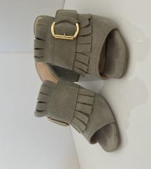 Otvorene sandale na debelu petu