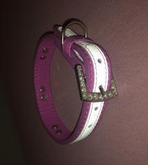 Roza ogrlica za psa