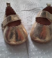 H&m zlatne cipelice 62