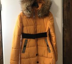 Duža zimska jakna s remenom
