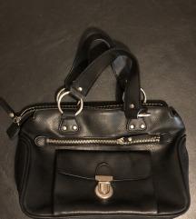 Esprit crna kožna torbica