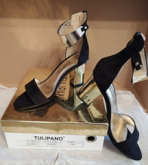 Crne sandale sa zlatnim detaljima