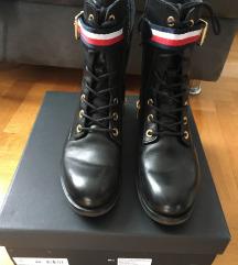 Tommy Hilfiger čizme - broj 40