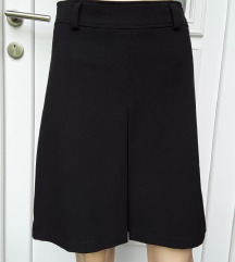 Crna suknja, S