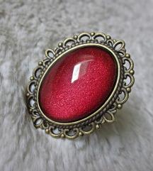 Prsten ''Red silky touch'' (ručni rad)