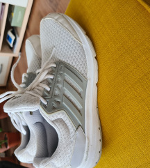 Adidas tenisice cloudfoam 42