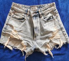 Zara kratke jeans rasparane hlače