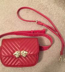 Zara crvena torbica