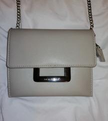 Nenošena David Jones torbica