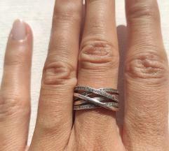 Srebrni prsten 925 sa sitnim cirkonima
