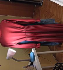 Crvena midi plisirana haljina