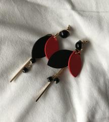 Crveno-crne naušnice