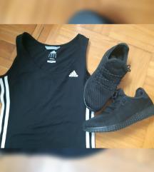 Sportski lot, majica i tenisice