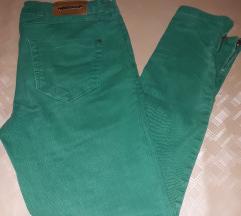 Zara zelene traperice