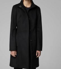 Hugo Boss crni kaput