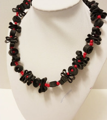 Crveno - crna ogrlica
