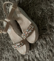 Sandale plutarice