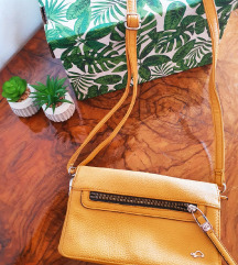 Žuta Carpisa torbica