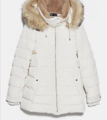 Bijela pernata jakna