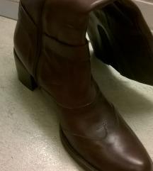 Kožne čizme, peta 5 cm