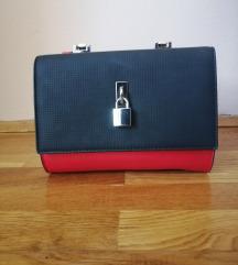 Crno crvena torbica