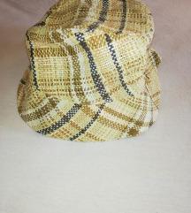 Karirani šešir