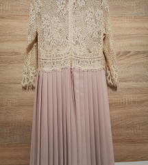 Čipkasto plisirana haljina