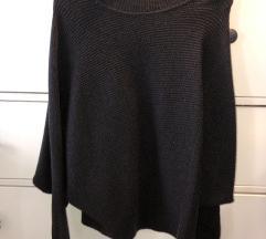 Zara pulover sa ovratnikom