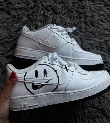 %%%% Nike