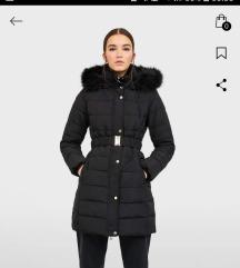 Duga zimska jakna NOVA Stradivarius
