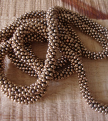Velika diskretna ogrlica