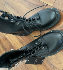 Crne čizme Basso