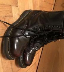 Dr. martens čizme broj 38