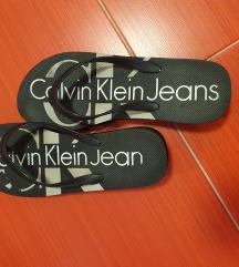 Calvin Klein hit japanke na petu