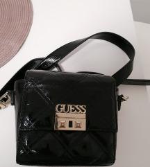 Mala lakirana Guess torbica