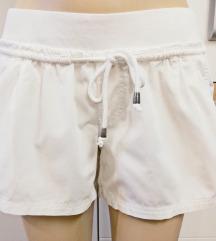 Bijele pamućne hlače - hlačice ESMARA br 40
