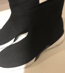 Zara patike čarapa