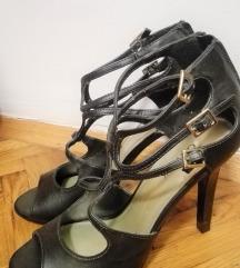 Crne visoke cipele