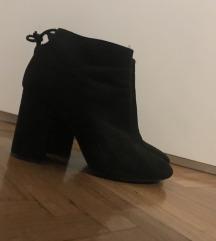 Čizme na petu